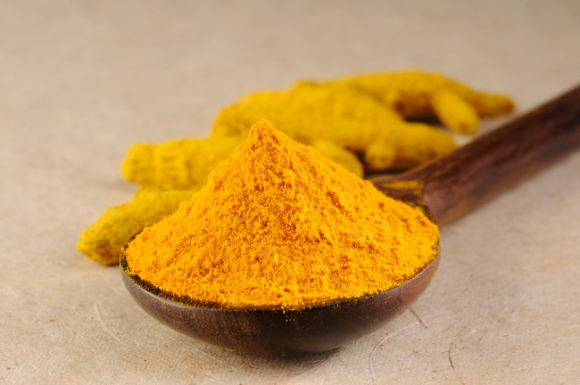 Turmeric powder and turmeric roots